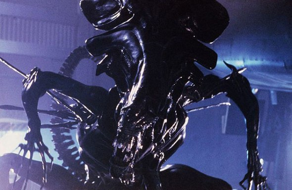 reina_aliens