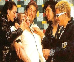 TheDamned-MusicForPleasure-3