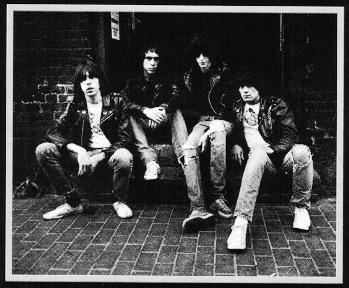 Ramones-RoadToRuin-3